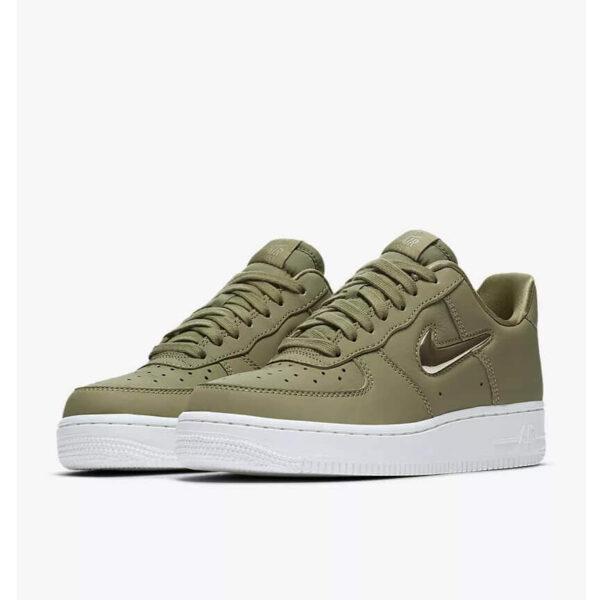 Nike Air Force 1 07 Premium LX 4