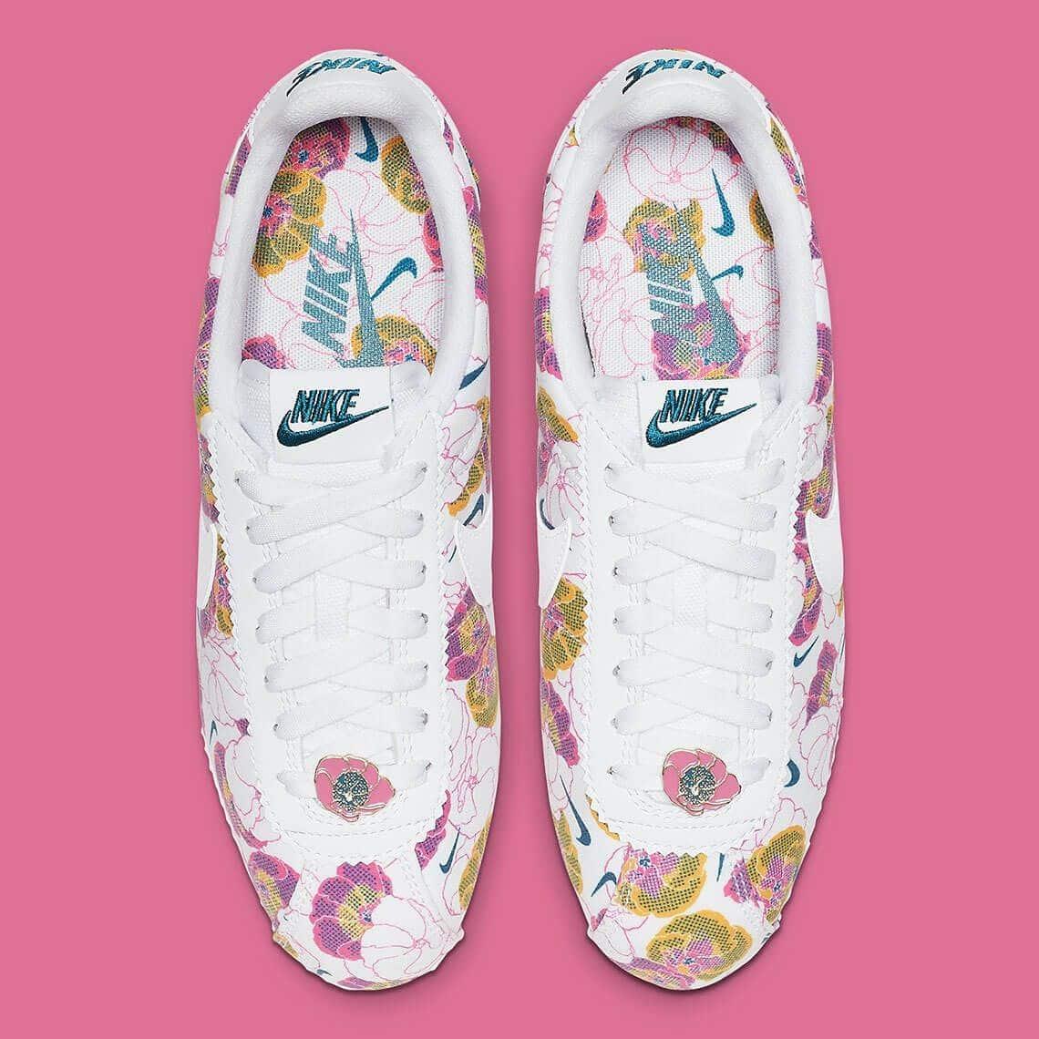 nike cortez wmns floral pack white AV1338 100 3