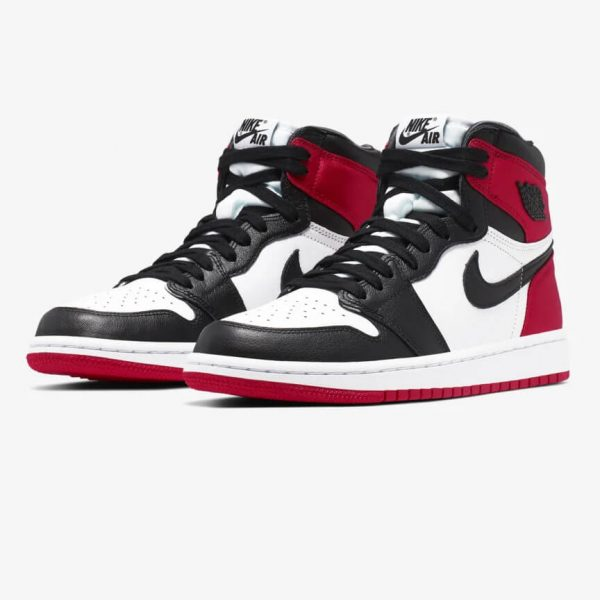 AIR JORDAN I BLACK TOE 1