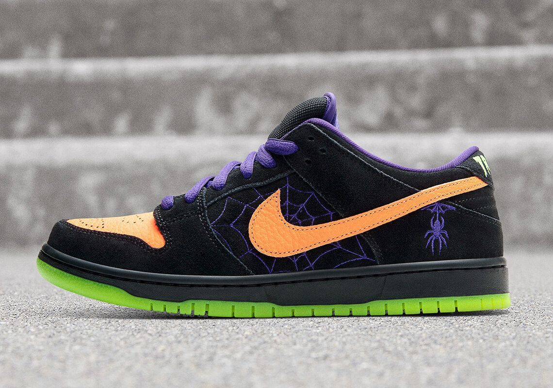 nike sb dunk low night of mischief 4