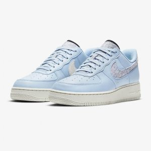 Nike Air Force 1 07 SE blue